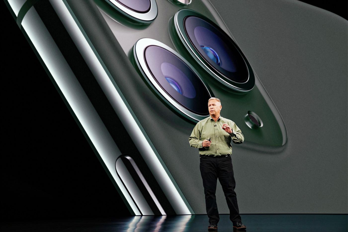 Phil Schiller présente l'iPhone 11